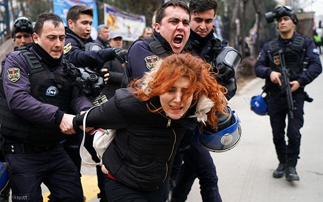 Mujeres encarceladas en Turquía: Campaña sistemática de persecución y miedo