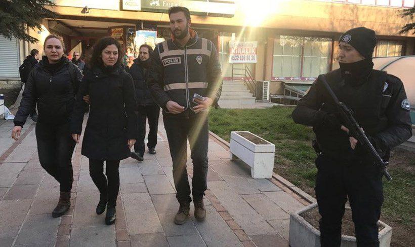 Detenidos los miembros del Comité Central de la Asociación de Médicos Turcos