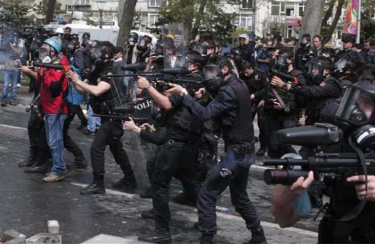 #Encuesta: 1,2 millones de víctimas del estado de emergencia en Turquía