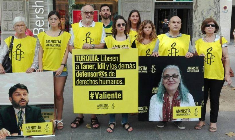 """Simanowitz, de Amnistía Internacional: """"Tenemos que defender la libertad de expresión en Turquía"""""""
