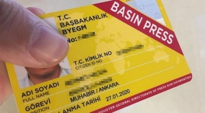 Autorizan a la presidencia turca a emitir carnets de prensa