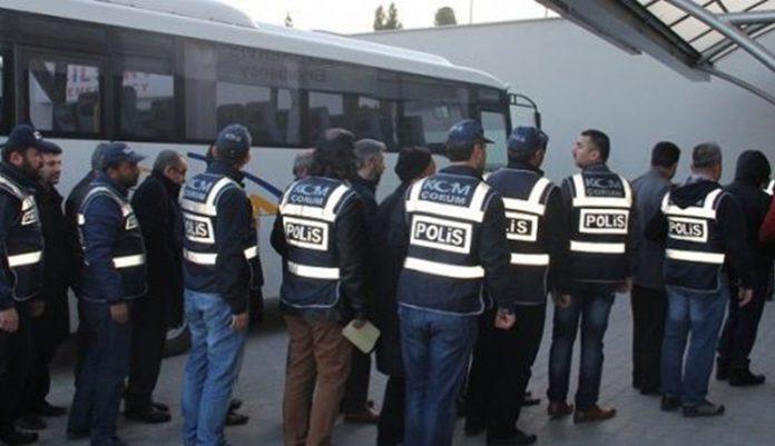 Turquía detiene a 402 personas por vínculos con el movimiento Gülen la semana pasada