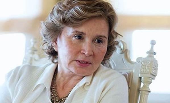 """La veterana periodista Nazlı Ilıcak condenada a 5 años y 10 meses de prisión por """"revelar secretos de estado y documentos"""""""