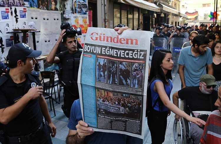 """TEDH: """"Los juicios sistemáticos contra los periodistas pretenden causar miedo, un efecto amedrentador"""""""