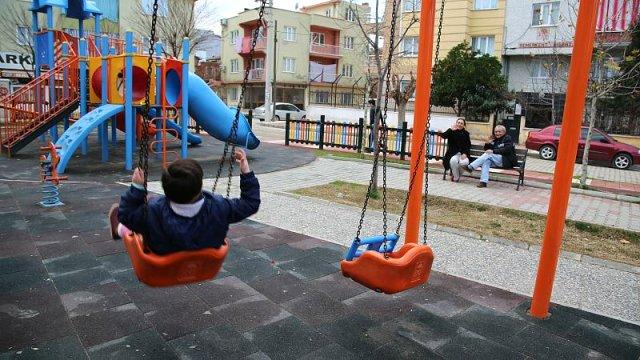 Una familia turca pierde a su hijo adoptivo tras haber sido despedida por un decreto-ley del Gobierno turco