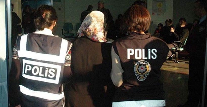 Turquía detiene a una mujer embarazada de 5 meses al no localizar la policía a su marido