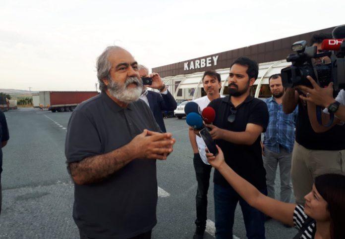 """El periodista Altan: """"La comunidad internacional debe examinar el estatus legal de cada periodista encarcelado"""""""