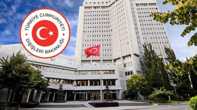 """Ministro de Asuntos Exteriores de Turquía: """"Al menos 30 países cerraron escuelas afiliadas al movimiento Gülen"""""""
