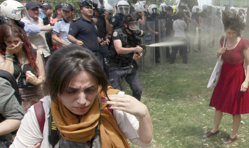 [OPINIÓN] Mientras la sociedad civil turca se encuentra en su lecho de muerte…