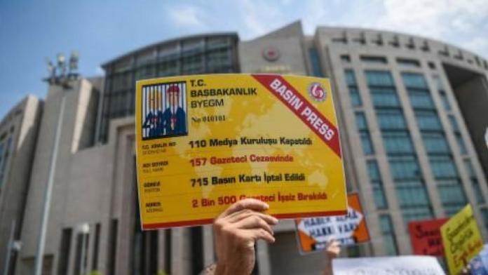 """El Ministerio de Justicia turco: """"No es posible contar el número de periodistas encarcelados"""""""