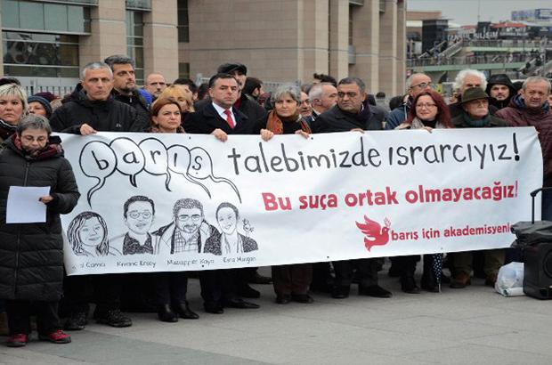 Turquía absuelve a más de 100 académicos que firmaron una declaración de paz