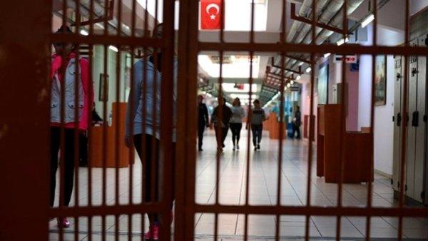 «Turquía: Los periodistas, defensores de los derechos humanos y otros, ahora en riesgo de Covid-19, deben ser liberados urgentemente»