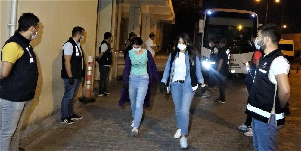 23 estudiantes fueron cacheadas al desnudo y maltratadas durante la visita del presidente del TEDH a Turquía